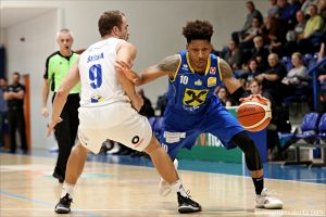 Decin starts road-trip with win