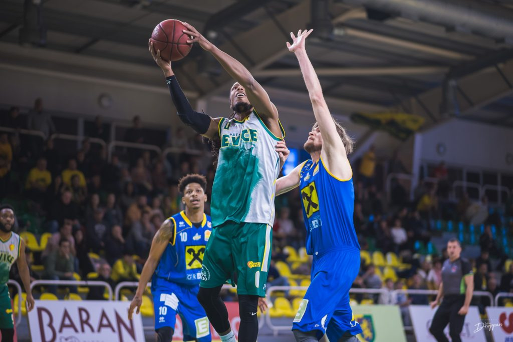 Levice secures spot in play-offs