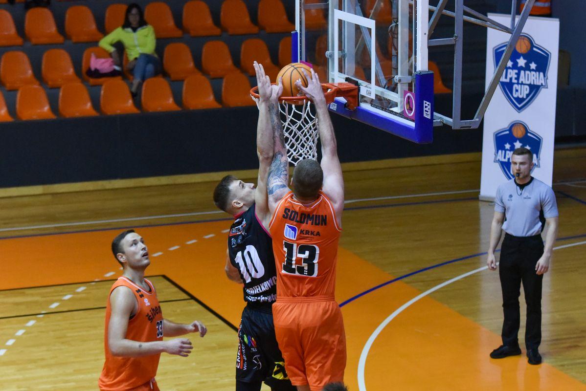 Šibenik records win, Wels is still waiting
